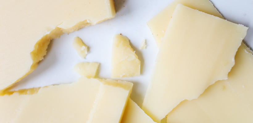 can a person with diabetes eat cheese?